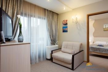 2-мест 3-комн Suite -  гостиная.jpg