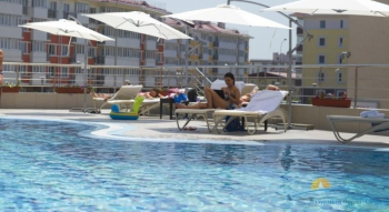 бассейн в отеле.jpg