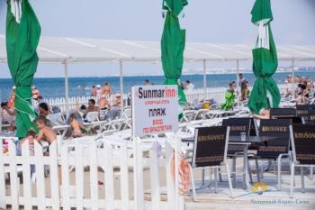пляж отеля..jpg