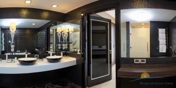 2-местный 4-комнатный Президентский Люкс гостевой туалет.jpg