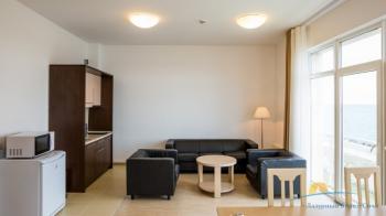Апартаменты кухня в корпусах Морского квартала.jpg