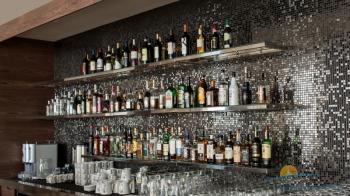 ассортимент напитков лобби-бара.jpg