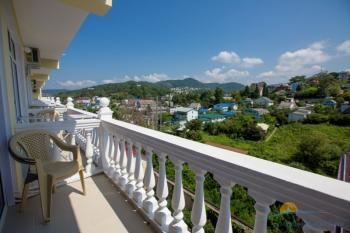 Вид с балкона на горы.jpg