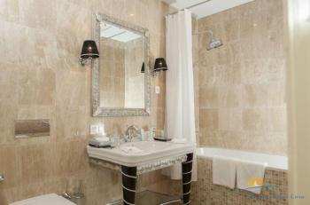 ванная виллы Лазурь 2.jpg