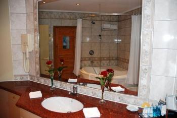 ванная виллы Лазурь 4.jpg