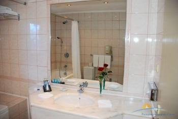 ванная санузел виллы Лазурь 4.jpg