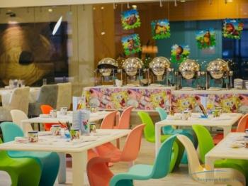 детский уголок ресторана Sunsets.jpg