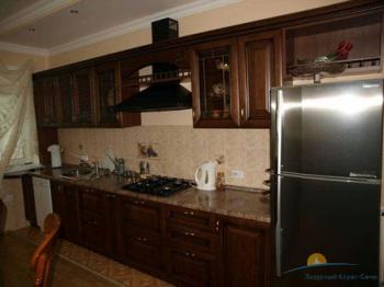 3-местный 2-комнатный Апартаменты кухня.jpg