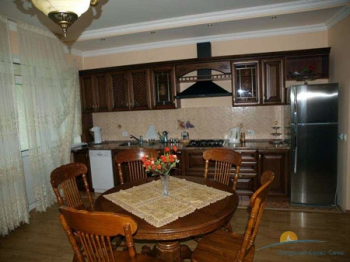 3-местный 2-комнатный номер Апартаменты кухня.jpg