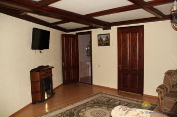 2-местный 2-комнатный номер Люкс гостиная.JPG