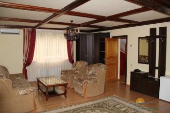 2-местный 2-комнатный номер Люкс интерьер.JPG