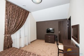 2-местный 2-уровневый номер Апартаменты спальня.jpg