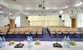 Конференц зал Ялта.jpg