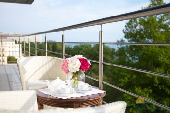 Люкс Апартаменты, балкон.jpg