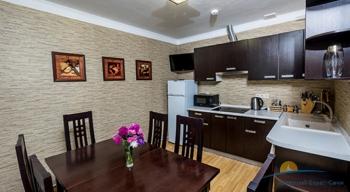 4-мест 5-комн Апартамент в коттедже 2 - кухня.jpg