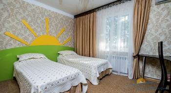 4-мест 5-комн Апартамент в коттедже 2 - детск спальня.jpg