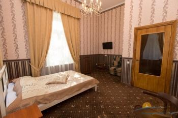 2-местный 1-комнатный номер Спальня Художника.jpg