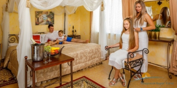 2-мест 2-комн Suite Dolce Vita - спальня.jpg