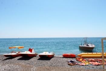 Катамараны на пляже.JPG