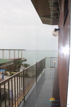 2-местный 2-комнатный номер Люкс балкон.JPG