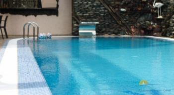 бассейн отеля.jpg