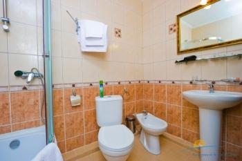 1-местный 1-комнатный номер Повышенной комфортности санузел.jpg