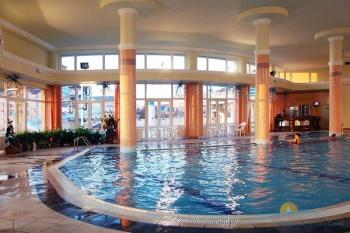 бар у бассейна.jpg