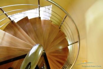 Лестница в коттедже.JPG
