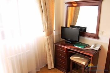 2-комнатный люкс корп.4. В спальне.JPG