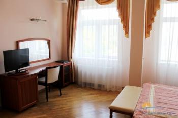2-комнатный люкс. Корп.2. Спальня.JPG