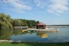 Озеро на территории