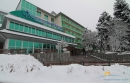 фасад здания и территория - вид зимой