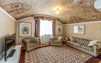2-местный 3-комнатный номер Люкс Панорама гостиная.jpg