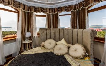 2-местный 3-комнатный  Люкс Панорама спальня.jpg