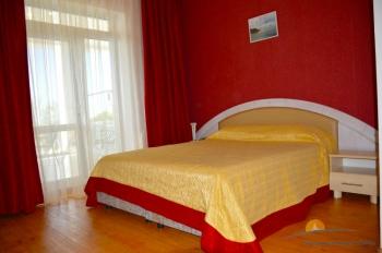 2-местный 1-комнатный номер Полулюкс с видом на море.jpg