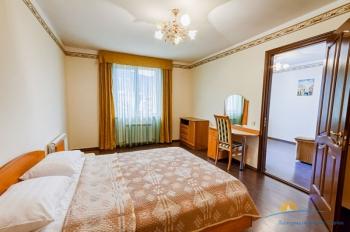 4-местный 2-комнатный Люкс.jpg