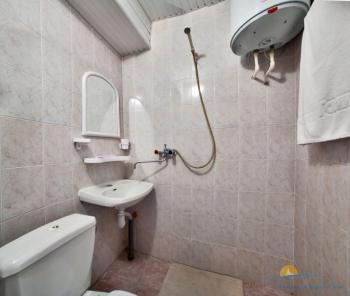 2-местный 1-комнатный номер Эконом санузел корпус 5.jpg