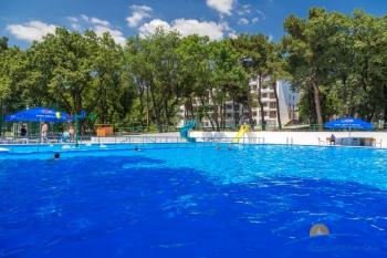новый открытый бассейн.jpg