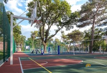 спортивная площадка.jpg