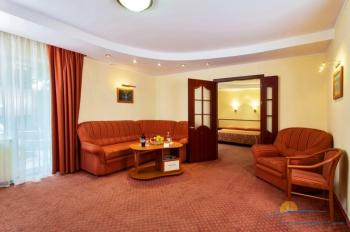 2-местный 2-комнатный номер VIP гостиная корпус Ривьера.jpg