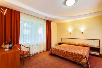 2-местный 2-комнатный номер VIP спальня корпус Ривьера.jpg