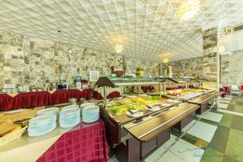 ресторан Швед стол.jpg