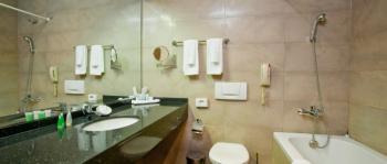 санузел в 2-местном 1-комнатном Стандарт Luxury.jpg