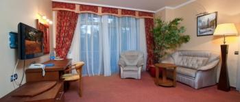 гостиная в 2-местном 2-комнатном Люксе.jpg
