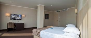 спальня в 2-местном 2-комнатном Люкс Luxury..jpg