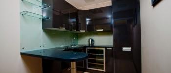 2-мест 3-комн Апартаменты - кухня.jpg