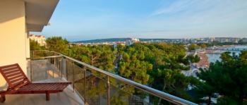 балкон в 2-местном 3-комнатном Сюит Премьерский.jpg