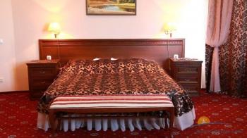 2-местные 2-комнатные Апартаменты спальня.jpg