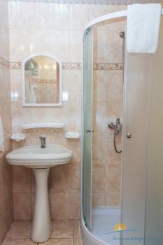 2-местный 1-комнатный номер Стандарт санузел.jpg