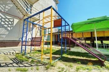 детская площадка в пансионате.JPG